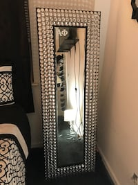 Standing mirror, excellent condition and hardly used. Original Price: $350 Selling at: $100 Arlington, 22201