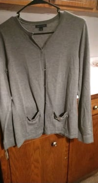 Gray button up sweater Andover, 55304