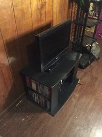 "26"" tv with tv stand! (Missing remote) Fort Smith, 72903"