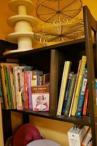 Assorted Baking Books Angus, L0M