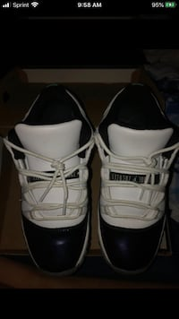 Jordan 11 Size 6.5 Boys  Sterling, 20164