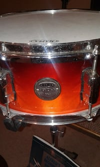 Snare drum, xylophone  Akron, 44313
