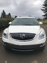 Buick Enclave CXL Reliable, clean luxurious car with new tires