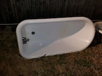 Claw foot tub Baltimore, 21224