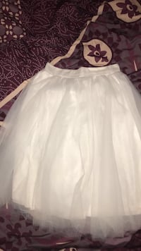 WHITE FLAIR OUT SKIRT