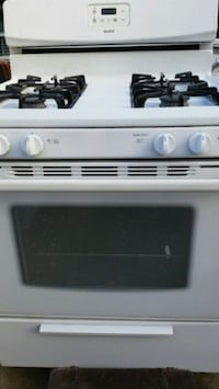 Gas stove like new  Lincolnia, 22312