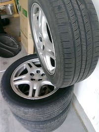 gray 5-spoke car wheel with tire set North Las Vegas, 89081