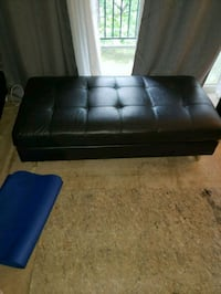 tufted black leather 2-seat sofa Alexandria, 22304