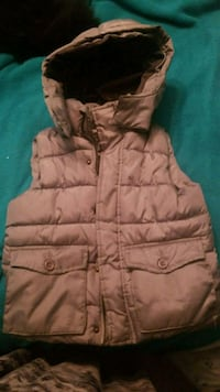Boys vest with hood size small 3124 km