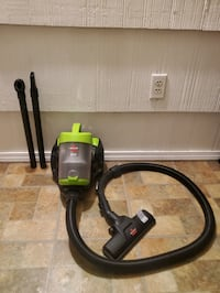 """""""BISSELL"""" ZING BAGLESS CANISTER VACUUM"""