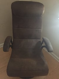 Brown Xrocket game chairs  New Orleans, 70127