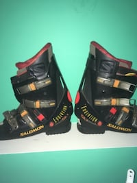 black-and-yellow Salomon snowboard boots KELOWNA