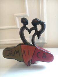 Hand carved Jamaica couple in love New York, 11106