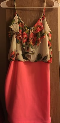 women's white and red floral dress Chicago, 60608