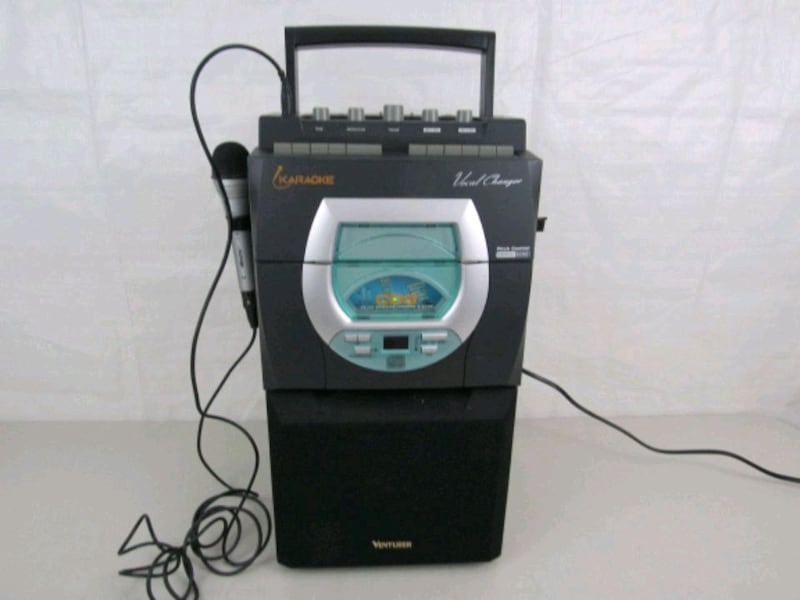 Venturer CDG-63 Karaoke Machine With Microphone   8b929554-66cc-472c-b349-438d41535255