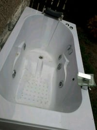 white ceramic sink with faucet Port Colborne, L3K 2N7