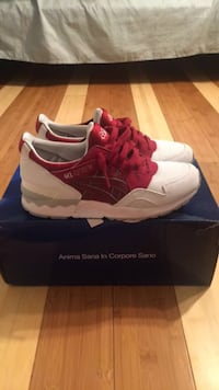 Burgundy Asics sz 4.5 Sterling, 20164