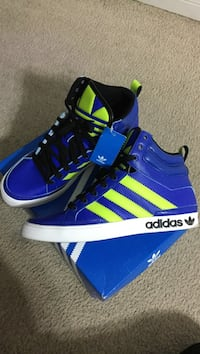Pair of blue adidas high-top sneakers with box Harker Heights, 76548