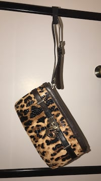 Guess clutch purse/wallet Mississauga, L4Y