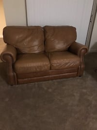 Comfortable leather sofa. Fairfax, 22030