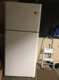 Frigidaire refrigerator  Johns Creek, 30022