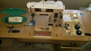 Singer 401a sewing machine (works)
