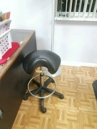 Haircutting stool brand new Winter Haven