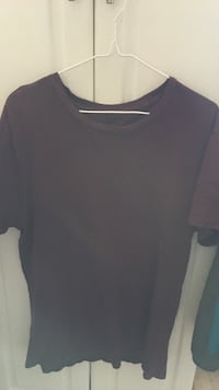 black crew-neck shirt London, N5V 3M1