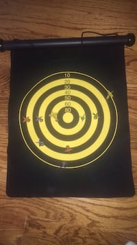 Magnetic mat with magnetic darts.  101 mi