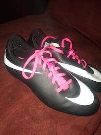 Size 5 girls cleats 30 or best offer  Gulfport, 39503