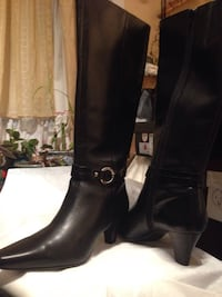 Ladies new leather boots  Calgary, T3E