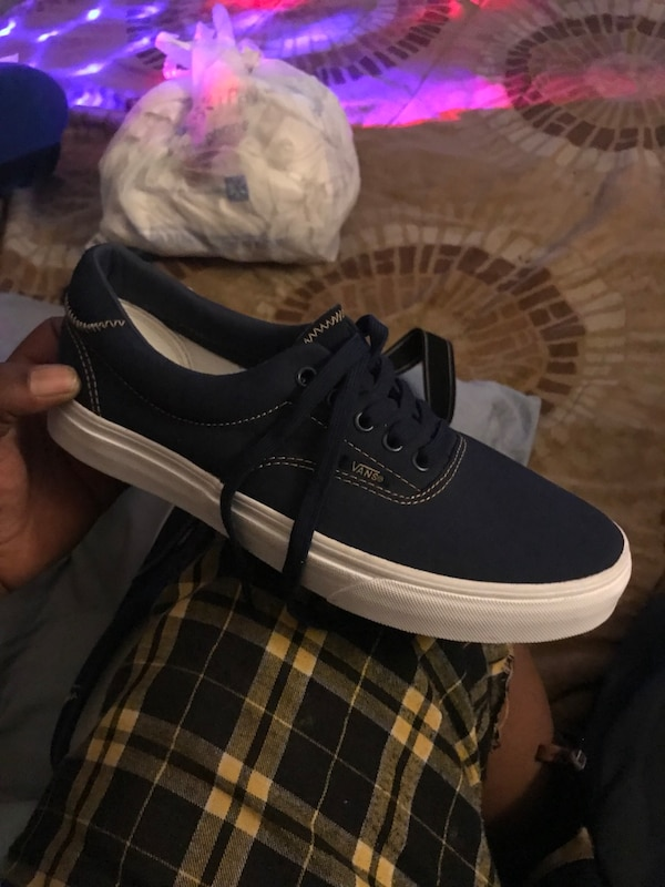 2141a2615449e1 Used Unpaired black and white vans low-top sneaker for sale in Maricopa -  letgo