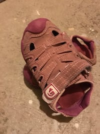 Fisher price sandals . Toddler size 9. Still in a great condition to wear  London