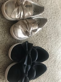 Two pairs of lace free shoes for a little girl Suitland, 20746