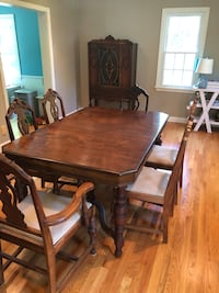 Dining room set with hutch Warwick, 02818