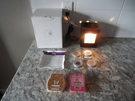 """*New* Scentsy """"Sleek Black"""" Warmer (Taken out of the box to show the w"""