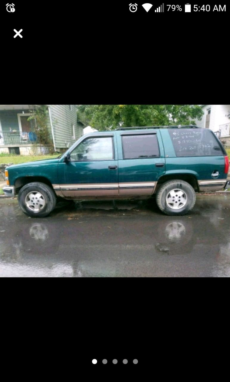 Photo 95 CHEVY 4X4 TAHOE 4DR RUNS GREAT