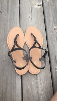 Old Navy sandals Powell Butte, 97753