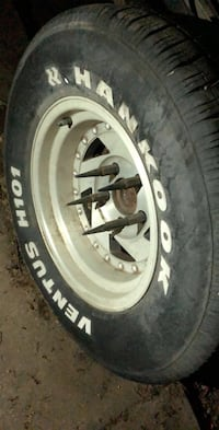 15 inch rims all four perfect condition  nun wrong with them 220 obo
