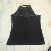 black scoop-neck sleeveless top Winnipeg, R3J 1M4