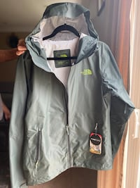 Northface Fuseform - original Matrix Jacket in size small.