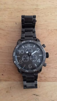 round black chronograph watch with link bracelet Los Angeles, 90037