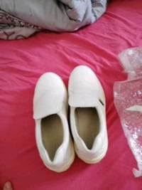 paire de chaussures blanches Taden, 22100