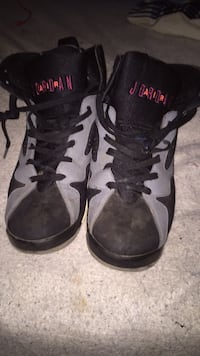 pair of black Air Jordan basketball shoes Temple Hills, 20748
