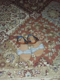 pair of white-and-blue sandals Robertsdale, 36567