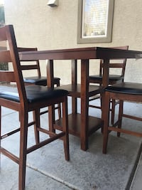 Wood table and chairs Las Vegas, 89113
