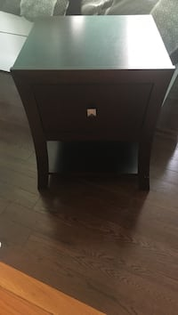 brown wooden end table Cambridge, N1T 1V5