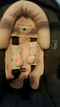 Infant head support and seat belt  Cambridge, N3C 4J6