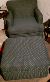 Chair and ottoman Painesville, 44077