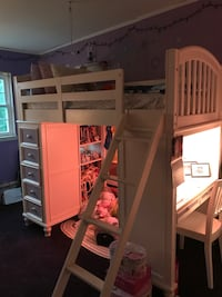 Girls Build A Bear Bunkbed with attached desk and chair  Middletown, 10941